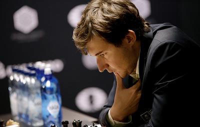 Карякин сыграл вничью с Ароняном на шахматном супертурнире в Сент-Луисе