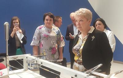 Министр просвещения протестировала динамический тренажер центра компетенций Ульяновска