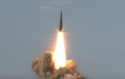 """Под Астраханью испытали баллистическую ракету """"Искандер"""". Видео"""