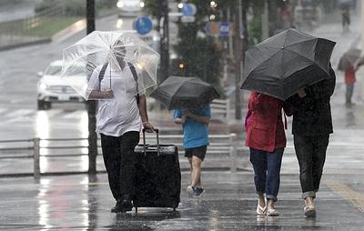 """В Токио сняли максимальный уровень угрозы из-за тайфуна """"Хагибис"""""""