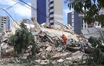 В Бразилии обрушилось жилое семиэтажное здание