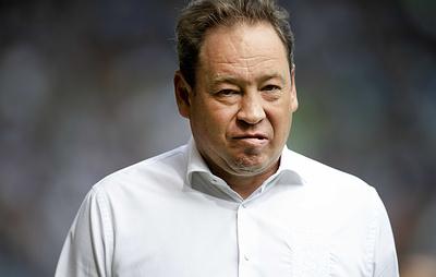 """Футболист """"Витесса"""" Базур в ходе тренировки нагрубил главному тренеру команды Слуцкому"""