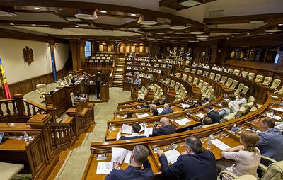 Парламент Молдавии сформировал миноритарный кабинет