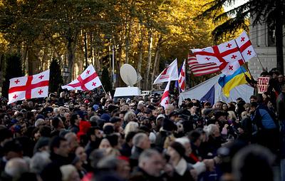 Демонстрантам в Тбилиси у здания парламента дали 30 минут на снятие блокировки