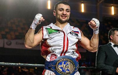 Российский боксер Аванесян защитил титул чемпиона Европы, победив испанца дель Рио