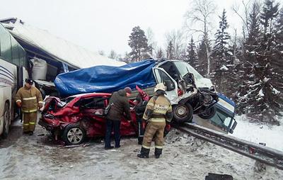 Автобус с детьми и пять машин столкнулись в Пермском крае