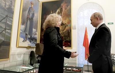 Путин осмотрел обновленную экспозицию Музея обороны и блокады Ленинграда