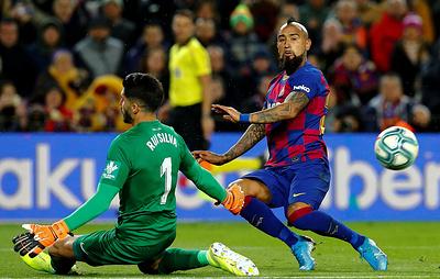 """Футболисты """"Барселоны"""" одержали первую победу под руководством Сетьена"""