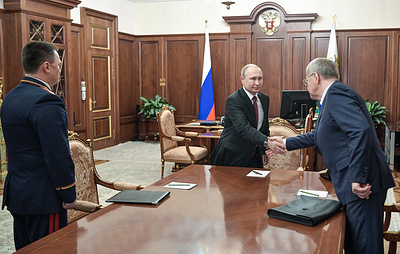 Путин поблагодарил Чайку за работу на посту генпрокурора