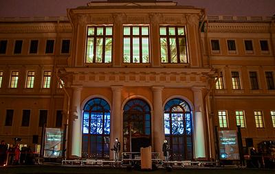 """""""Свечу памяти"""" в Петербурге посвятили людям, сохранившим памятники города в годы войны"""