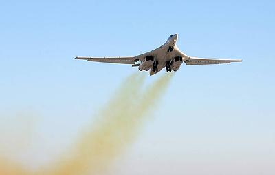 """Источник: бомбардировщики Ту-160 планируется вооружить гиперзвуковыми ракетами """"Кинжал"""""""