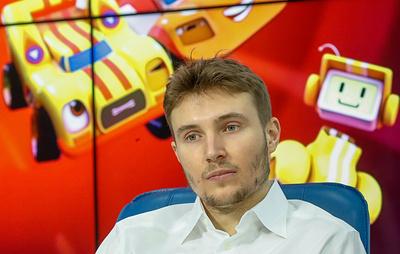 Гонщик Сироткин рассчитывает в течение месяца объявить о том, где продолжит карьеру