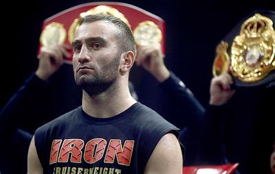 Дебютный бой боксера Гассиева в супертяжелом весе отменен