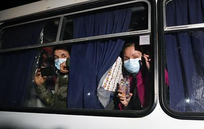 Автобусы с эвакуированными из Уханя украинцами прибыли в санаторий в Новых Санжарах