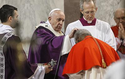 Папа Римский Франциск не принял участия в службе из-за недомогания