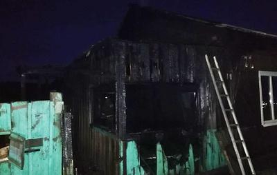 Семь человек погибли при пожаре в селе в Иркутской области