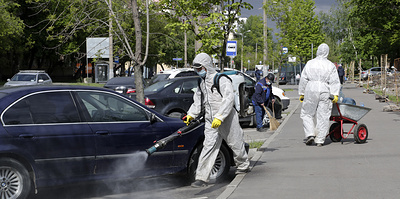 В Москве смягчают меры, в Японии отменяют ЧС. Главное о коронавирусе за 25 мая
