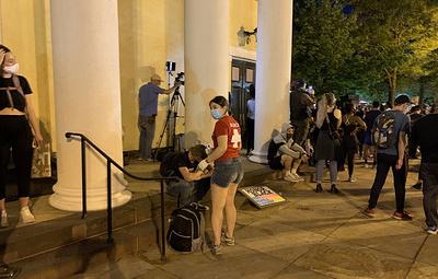 Протесты в Вашингтоне второй день подряд приводят к стычкам с полицией