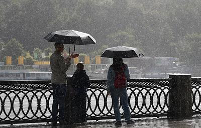 Синоптики обещают дождливую и умеренно теплую погоду регионам Центральной России