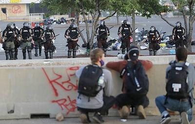 Правозащитники в США насчитали более 320 случаев нарушений прав журналистов на протестах