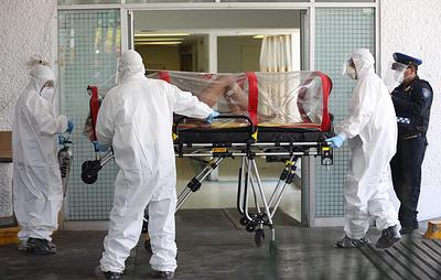 Количество заражений коронавирусом в странах Америки и Азии растет рекордными темпами