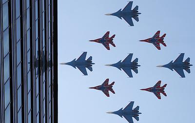 """""""Русские витязи"""" впервые показали высший пилотаж на Су-27, Су-30СМ и Су-35С в едином строю"""