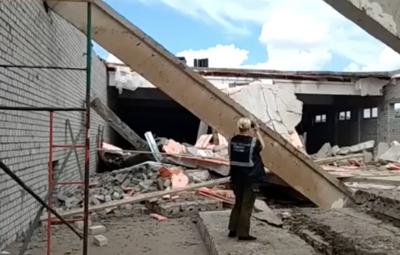 Четыре человека погибли при обрушении перекрытий строящегося ТЦ в Кировской области