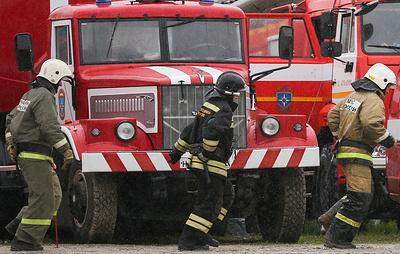 В Иркутске тушат пожар на крыше многоэтажного жилого дома