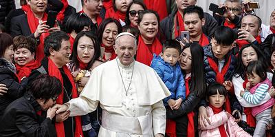 Между двух церквей. Что стоит за сближением Ватикана и Китая?