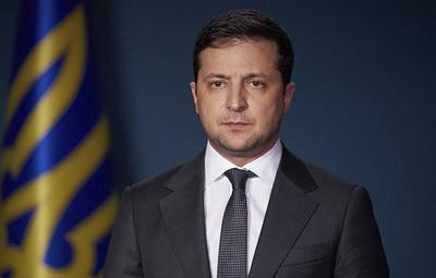 Зеленский поручил приостановить на Украине полеты подобных Ан-26 самолетов