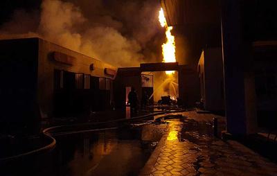 В чеченском городе Аргун на АЗС горит цистерна