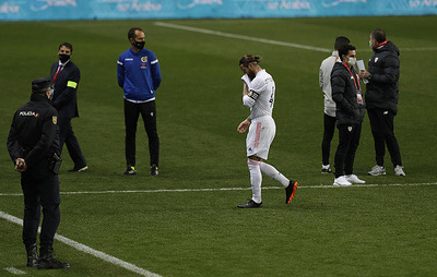 СМИ: Серхио Рамос пропустит полтора - два месяца из-за операции на колене