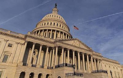 Сенаторы США договорились по пособиям по безработице в новом пакете экономических мер