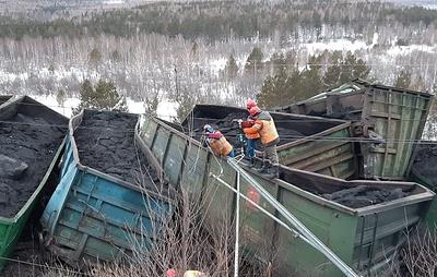 В Челябинской области возбудили дело после схода с рельсов вагонов грузового поезда