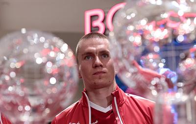 Врач отвел лыжнику Большунову две-три недели на восстановление после операции на десне