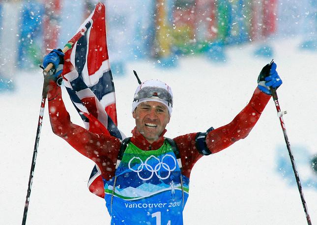 Ole Einer Bjorndalen winning the gold in 4 x 7,5 relay in Canada in 2010