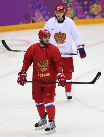 Russian ice hockey forwards Alexander Radulov and Viktor Tikhonov