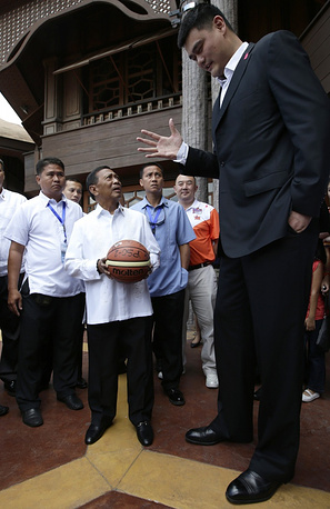 One of the most serious was the third fracture to his left foot sustained near the end of 2010. Photo: Yao Ming in 2013