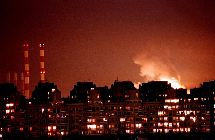 Operation 'Allied Force' in Yugoslavia, 1999. Photo: a power plant on fire in Belgrade on March 24, 1999