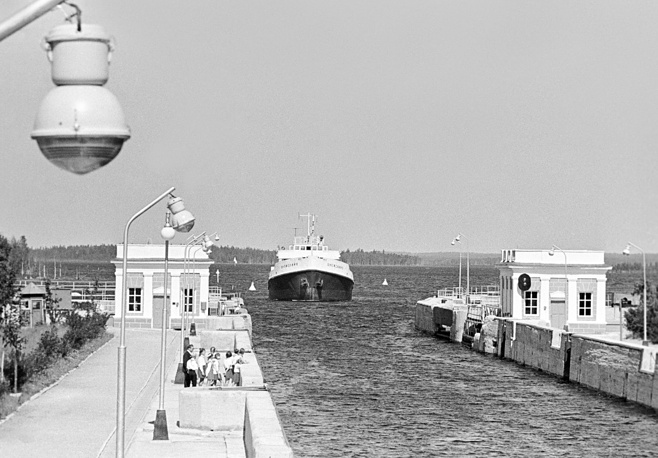 The total length of the route is 227 km. Photo: the White Sea Canal in 1973