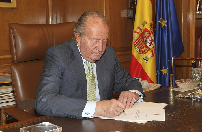 On Monday Spain's Prime Minister announced, that King Juan Carlos abdicates