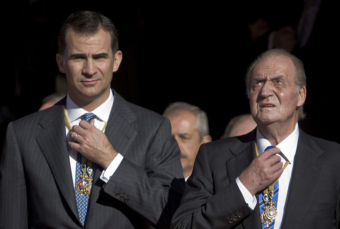 Spain's Crown Prince Felipe will take over the throne after his father's abdication. Photo: King Juan Carlos I (right) and Spanish Crown Prince Felipe
