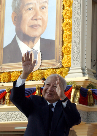 Norodom Sihanouk, King of Cambodia from 1941 to 1955 and from 1993 to 2004 abdicated twice: first in facor of his father, and the second time in favor of his son