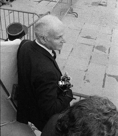 Henri Cartier-Bresson is one of the most famous photographers in history. Together with Robert Capa, in 1947 they founded the Magnum photo agencym