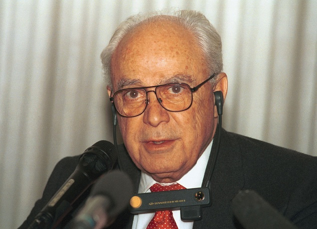 Robert Strauss was the head of the US diplomatic mission in Moscow from 1991 to 1992. He became the last US ambassador to the Soviet and the first ambassador to Russia. In 1991 he prepared the state visit of President George H.W. Bush to Moscow and the signing of the Strategic Arms Reduction Treaty (START). Strauss contributed to the development of Russian-US relations after the collapse of the USSR.