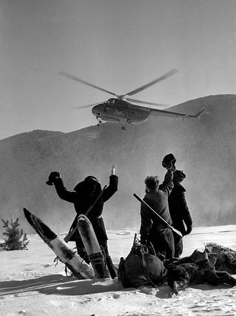 Krasnoyarsk Krai. A helicopter brings hunters to the hunting area, 1962