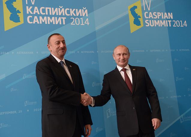 Vladimir Putin greets President of Azerbaijan Ilkham Aliyev