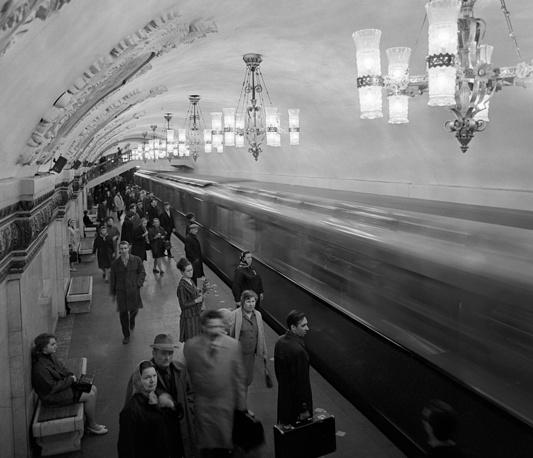 Kiyevskaya Metro station, 1971