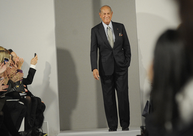 Oscar de la Renta passed away at the age of 82 in Kent, Connecticut. He had been diagnosed with cancer in 2006, however he continued to lead an active life. In 1963, Oscar de la Renta launched his own fashion house in the United States