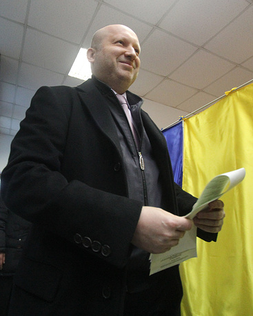 As many as 3,114 candidates from 29 parties are running for 255 deputy mandates; 3,322 candidates are registered in single-mandate constituencies. Photo: Verkhovna Rada chairman Oleksander Turchynov